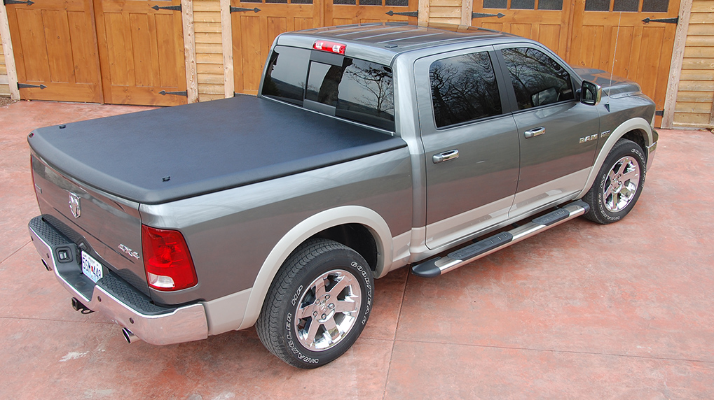 undercover classic tonneau cover fits 2002 2009 dodge ram. Black Bedroom Furniture Sets. Home Design Ideas